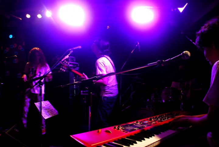 LIVE at shimokitazawa THREE - LIVE JUNK 2011.09.04-配信開始
