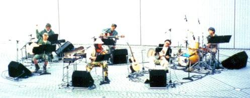 moonriders『Tokyo, Round & Round』レビュー/text by 南日久志