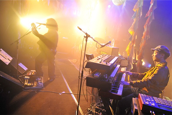 THEATRE BROOK『Live Achives Disc2』販売開始 エマーソン北村 インタビュー