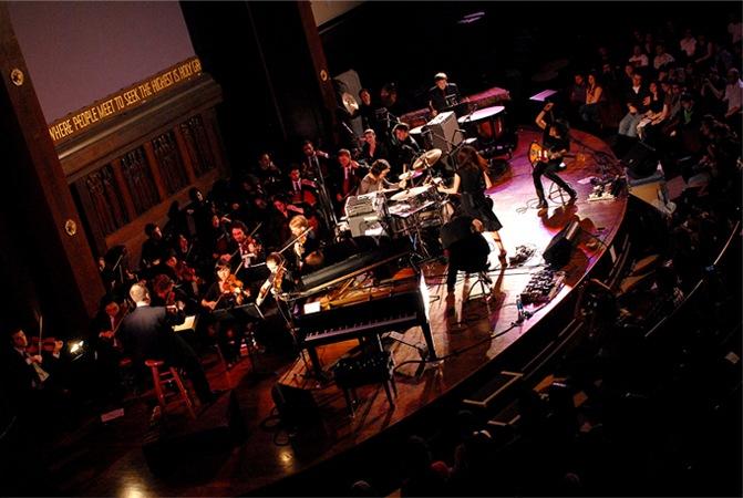 MONO オーケストラ・ライヴ音源『HOLY GROUND: NYC LIVE WITH THE WORDLESS MUSIC ORCHESTRA』を高音質で販売開始