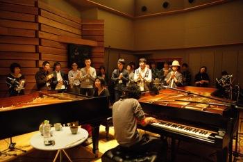 原田郁子+高木正勝のライブ音源『TO NA RI』を高音質のDSDで配信開始
