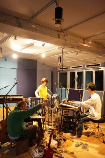 Premium Studio Live 大野由美子+zAk+飴屋法水のセッションをDSD音源で配信