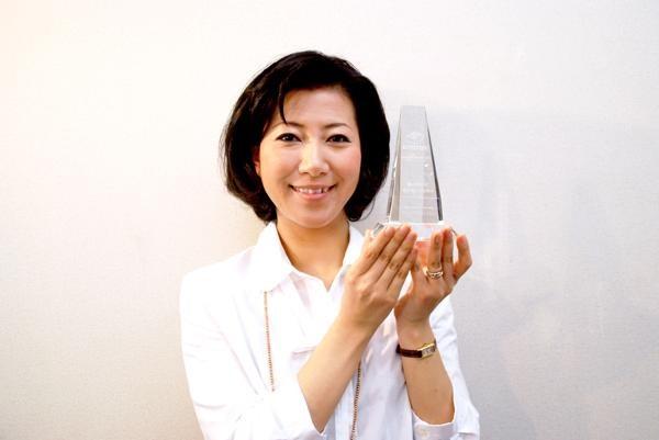 OTOTOY Award 2011トロフィー授与!