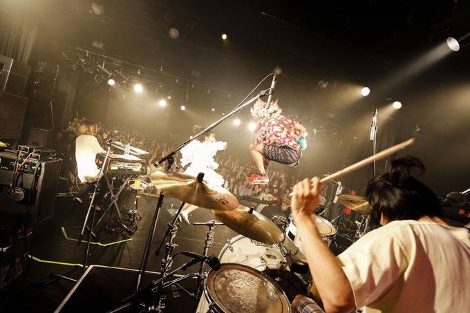 LIVE REPORT 2013年11月22日(金)〈SEBASTIAN X 『Power Of Noise』リリース・ツアー・ファイナル〉@リキッドルーム