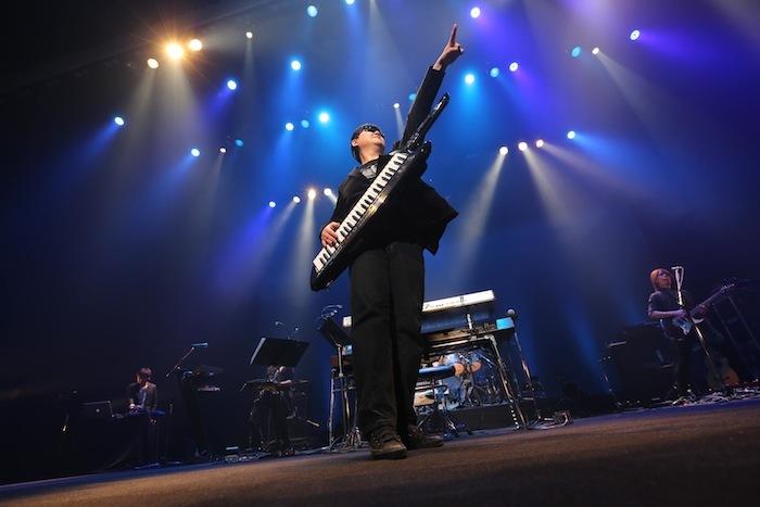 「ロマンシング サ・ガ」シリーズの名曲を、伊藤賢治率いるロックバンドによって熱演!!