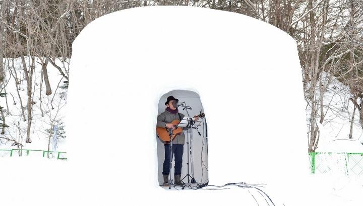 世界発? 長谷川健一、雪のかまくらで録音したDSD音源を配信