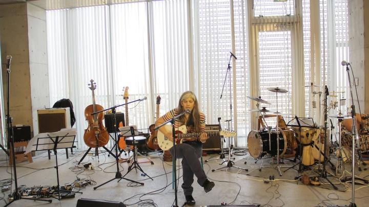 ファナ・モリーナと並ぶ歌姫、フロレンシア・ルイスのライヴ音源をDSD & ハイレゾで独占配信