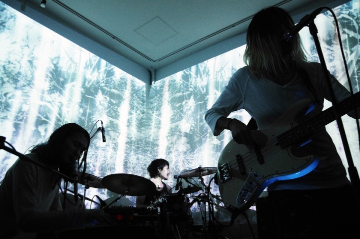 camellia、バンド初のライヴ音源をハイレゾ&ワンコイン配信!!