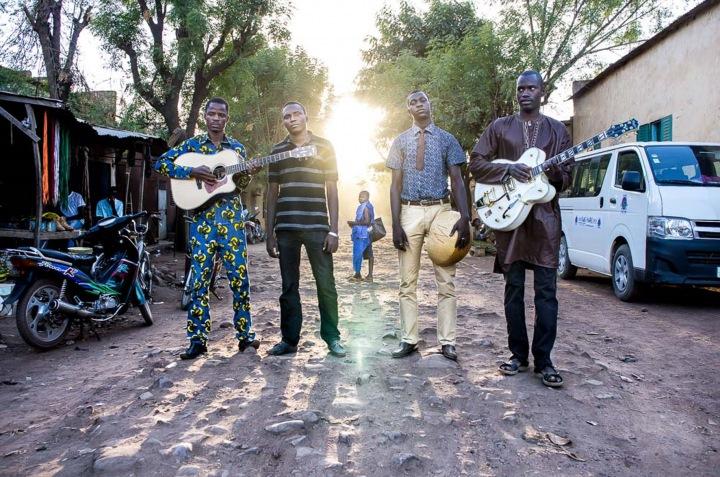 西アフリカ発のデザート・ブルース・バンド、ソンゴイ・ブルースによる、待望のデビュー作を配信