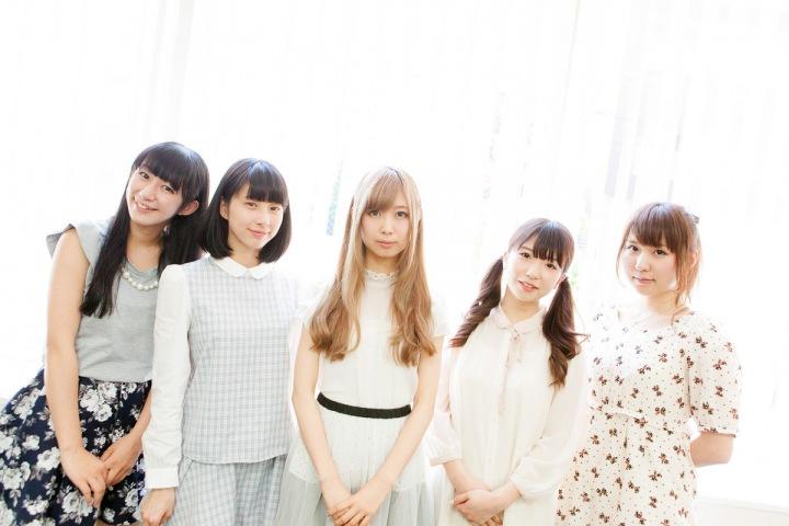 Q'ulle、初のフル・アルバム完成!! ハイレゾ配信&メンバー5人インタヴュー