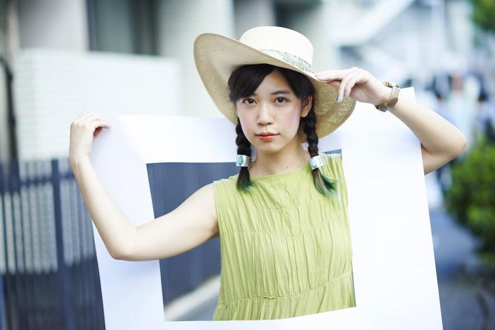 ex.SEBASTIAN Xのフロントマン永原真夏がソロ・デビュー、そして初のシングル「青い空」をリリース