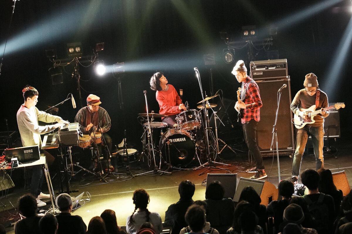 台湾インディーズ界屈指のライヴ・バンド落日飛車(Sunset Rollercoaster)による名盤、配信スタート
