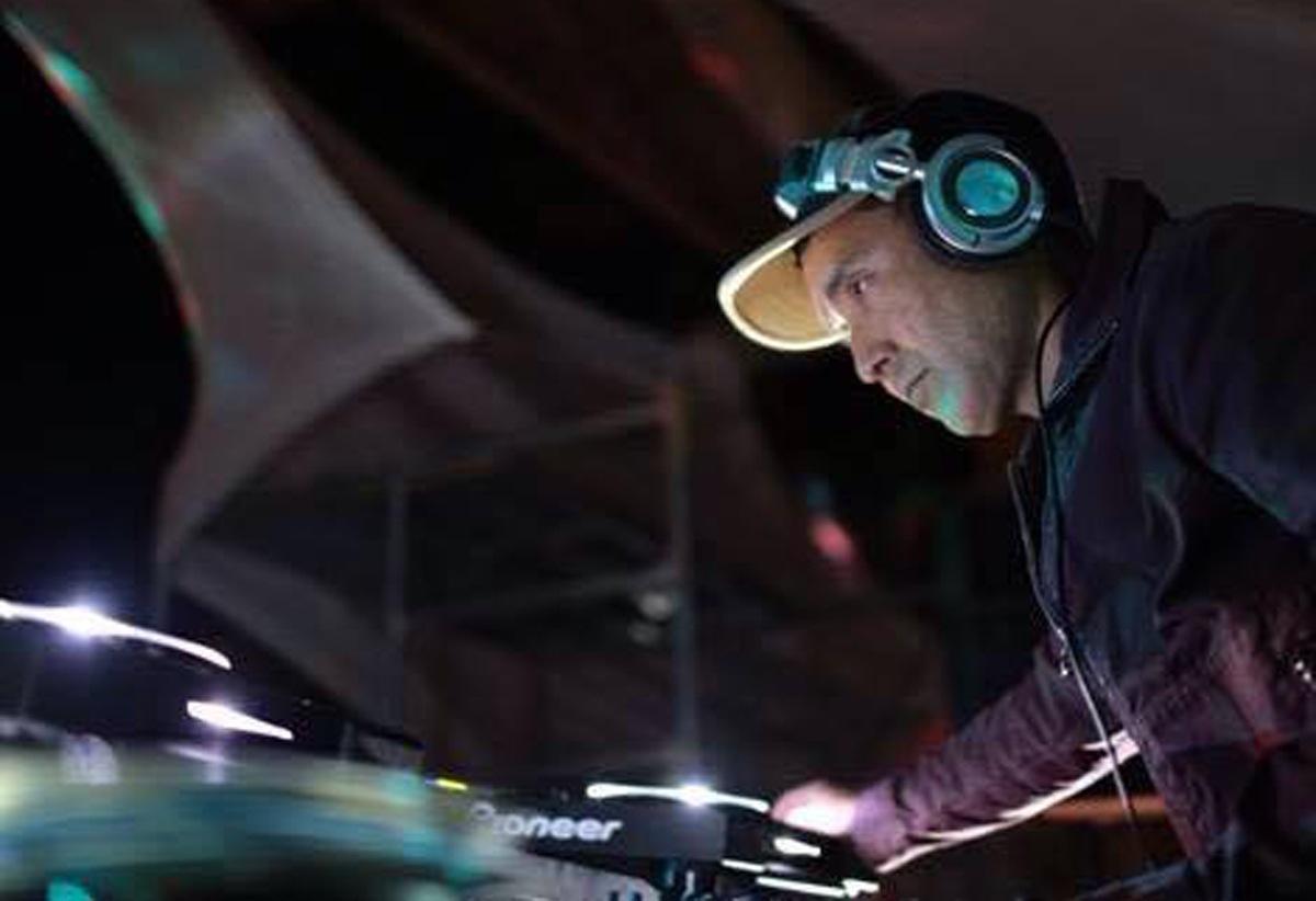 DJ MIKU、35年目の1stアルバム──テクノのベテラン、1stアルバムをハイレゾ独占配信