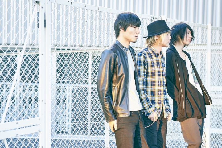 Jake stone garage、3ピースの旨みが凝縮されたセルフ・プロデュースのミニ・アルバムをハイレゾ配信