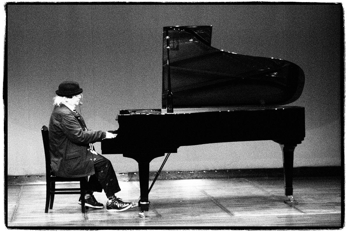 ムーンライダーズのキーボーディスト、岡田徹の5枚目のソロ・アルバムを先行ハイレゾ配信