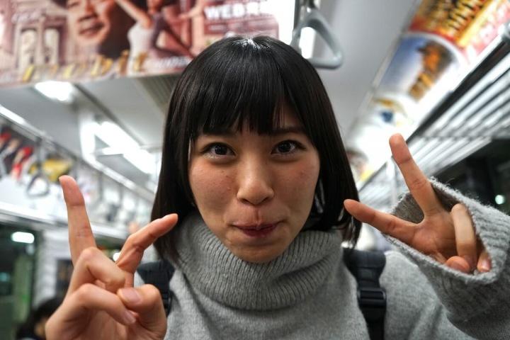 【WiLL ソロ企画】第1弾、本間美咲が山手線でワンマン・チケットを届けに行く企画に密着してきた!