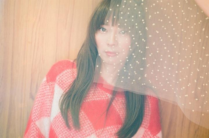 【REVIEW】川本真琴、ピアノ弾き語りセルフ・カバー・アルバムをハイレゾ配信ーーレヴュー公開