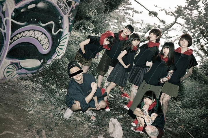 GANG PARADE、代表曲『Plastic 2 Mercy』で7人体制のスタートを切る、全員インタヴュー掲載