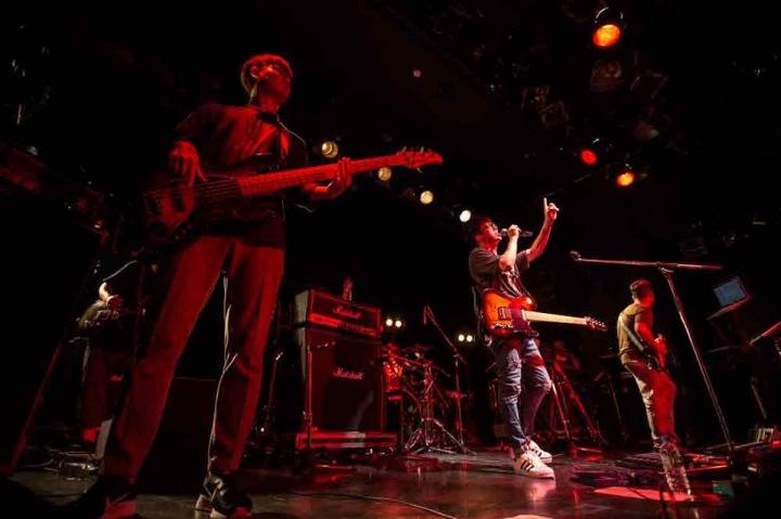 驚異的なステージングと圧倒的歌唱力で魅せる──韓国ロック・バンドGUCKKASTEN、日本への挑戦