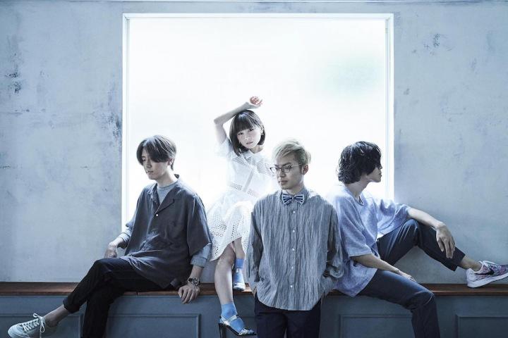 【REVIEW】fhánaがTVアニメ「ナイツ&マジック」のOP曲を収録した12枚目となるシングル『Hello!My World!!』をリリース!!