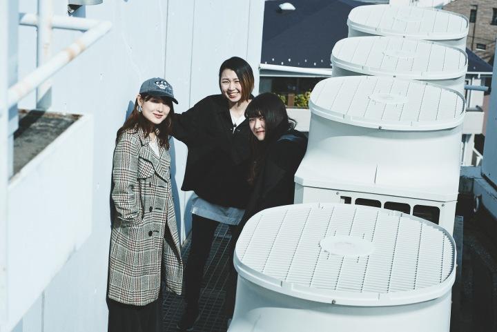 【Drop's連続企画】楽器隊3人インタヴュー──彼女たちのサウンドはこのメンバーによって作られる