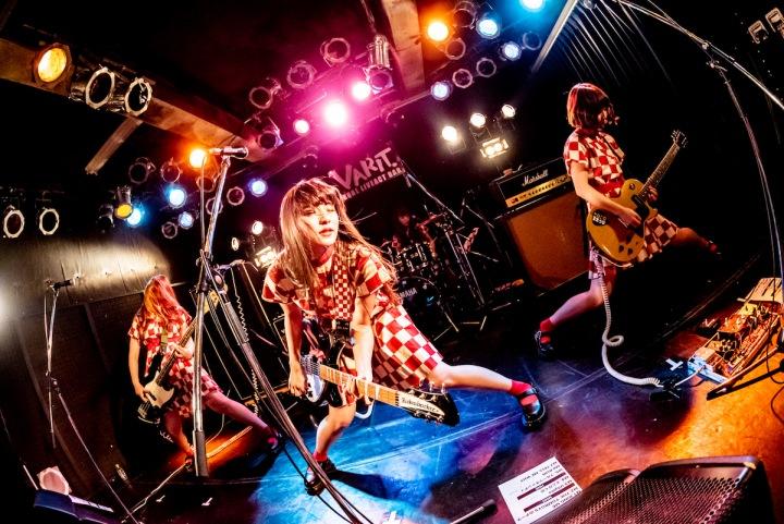 ハッピー・ロックンロールの進撃! ──THE TOMBOYS『NOW'N'RUN』配信開始!!