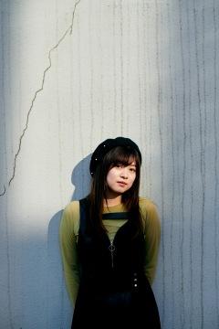鈴木このみの歌声は、次のステージへ進化した──ニュー・シングル「Bursty Greedy Spider」
