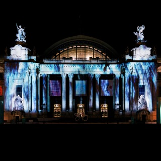 Universe of Water Particles on the Grand Palais (PCM 48kHz/24bit)