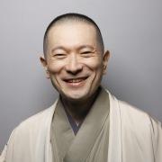 三遊亭竜楽の外国語落語〜味噌豆〜(8カ国語メドレー)