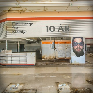 10 År feat. Klamfyr