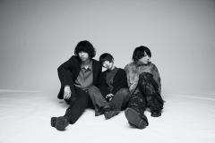 京都発の3ピースバンド、Hakubiが2/6(土)0時に真夜中の弾き語り生配信企画「午前0時、SNS」を開催