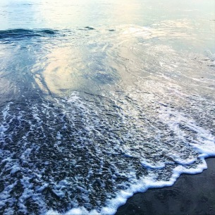 WOZNIAK、コンセプトアルバム『Too Many Waves』デジタルリリース