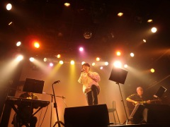 真田ナオキ、配信ライヴでRCサクセション「スローバラード」を初披露