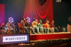 BiSH、新アルバム映像付き盤に「MTV Unplugged: BiSH」を完全収録