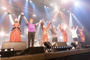 BiS、初バンド編成で挑んだ東北ツアー完遂~全18曲を熱狂パフォーマンス―ライヴレポート