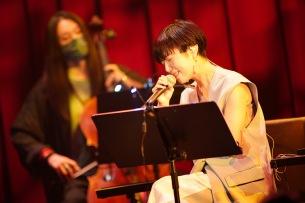 """【ライヴレポート】Salyuと弦楽器が紡いだ""""希望という名の灯り"""""""