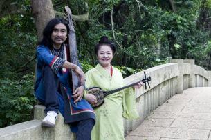 OKI×大城美佐子、東京と沖縄でコラボ・ライヴ〈北と南〉開催