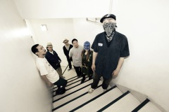 中尾憲太郎、トイレ休憩のため、サービスエリア2ヶ所連続立ち寄り。――しょうもにゅーす