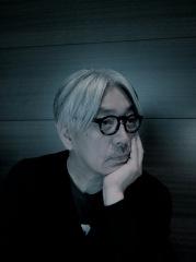 坂本龍一、恒例の元日ラジオで細野、小山田、青葉市子らとセッション