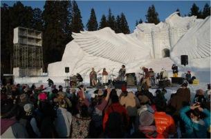 恒例の雪上フェス〈豪雪JAM〉に七尾旅人、regaら