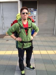 ダディー直樹(ゴマアブラ)、京都から赤坂BLITZへ歩き始める——ゴマアブラニュース