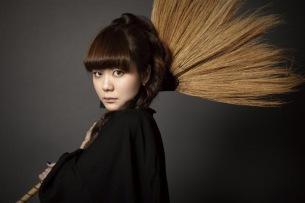 「完璧な3分間ポップス」とネットで話題の吉澤嘉代子が1stミニ・アルバムをリリース