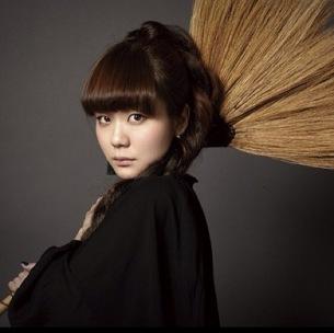 吉澤嘉代子、レコ発ライヴ大成功で魔女への一歩を踏み出す――OTOTOY最速レポ