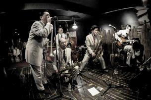 """""""ブラサキ""""ことBloodest Saxophone、渋谷クアトロでレコ発ワンマン開催"""