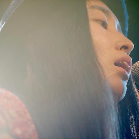 寺尾紗穂、大貫妙子や加川良のカヴァーも収録したDSDライヴ音源をOTOTOY限定でリリース
