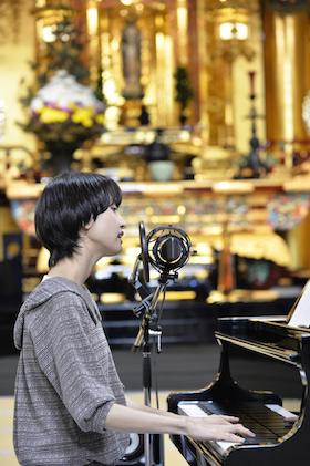 南壽あさ子、金色に輝く築地本願寺でDSDレコーディングに挑戦! 全4曲をOTOTOY独占リリース