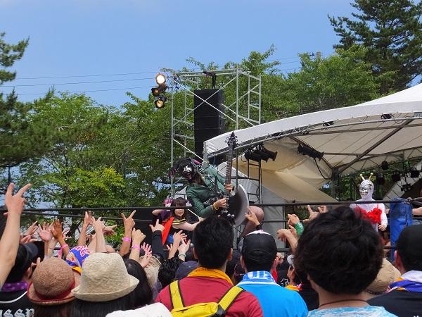 〈夏の魔物2014〉BRAHMAN、でんぱ組らが熱演! DPGに淳之介P就任で「BpS」誕生!!―OTOTOY現地レポ