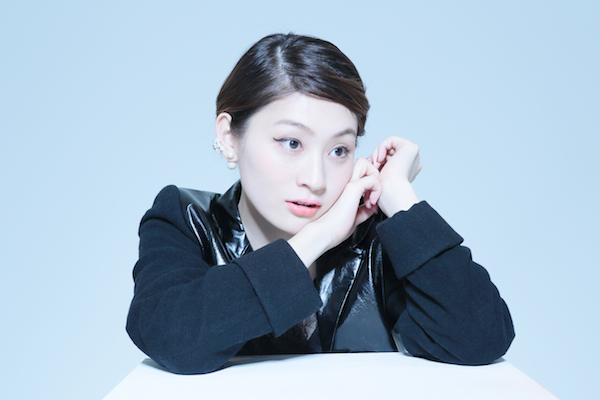 星期三的康帕内拉以100日元CD第五名与桃太郎一起演唱了Sena Chikaze