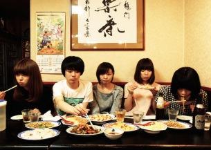 平賀さち枝とホームカミングスのコラボ曲MV公開、レコ発前売特典で邦楽カバー