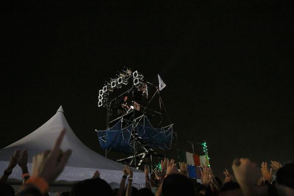 """水曜日のカンパネラ〈BAYCAMP 2014〉の櫓から""""魂""""のちゃぶ台返しーーOTOTOYライヴ・レポート"""